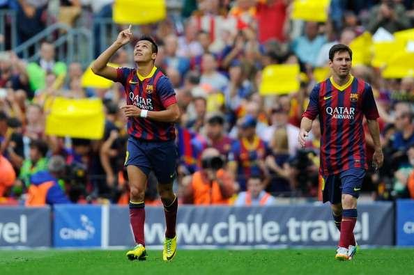 """El chileno sería usado como """"moneda de cambio"""" por el club catalán. Foto: Getty Images"""