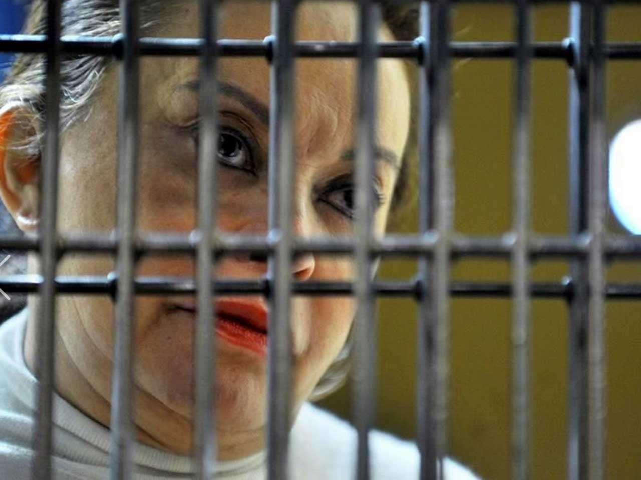 El 26 de febrero de 2013, la líder del SNTE, Elba Esther Gordillo, fue detenida. Actualmente está presa en el Penal Femenil de Tepepan por delincuencia organizada y lavado de mil 978 mdp. Foto: Archivo/Reforma
