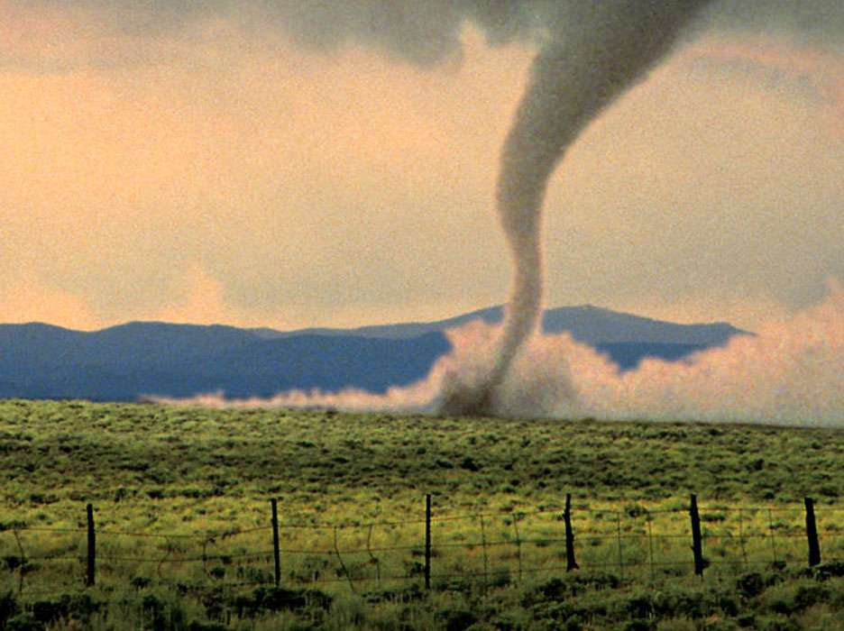 Tornados e furacões