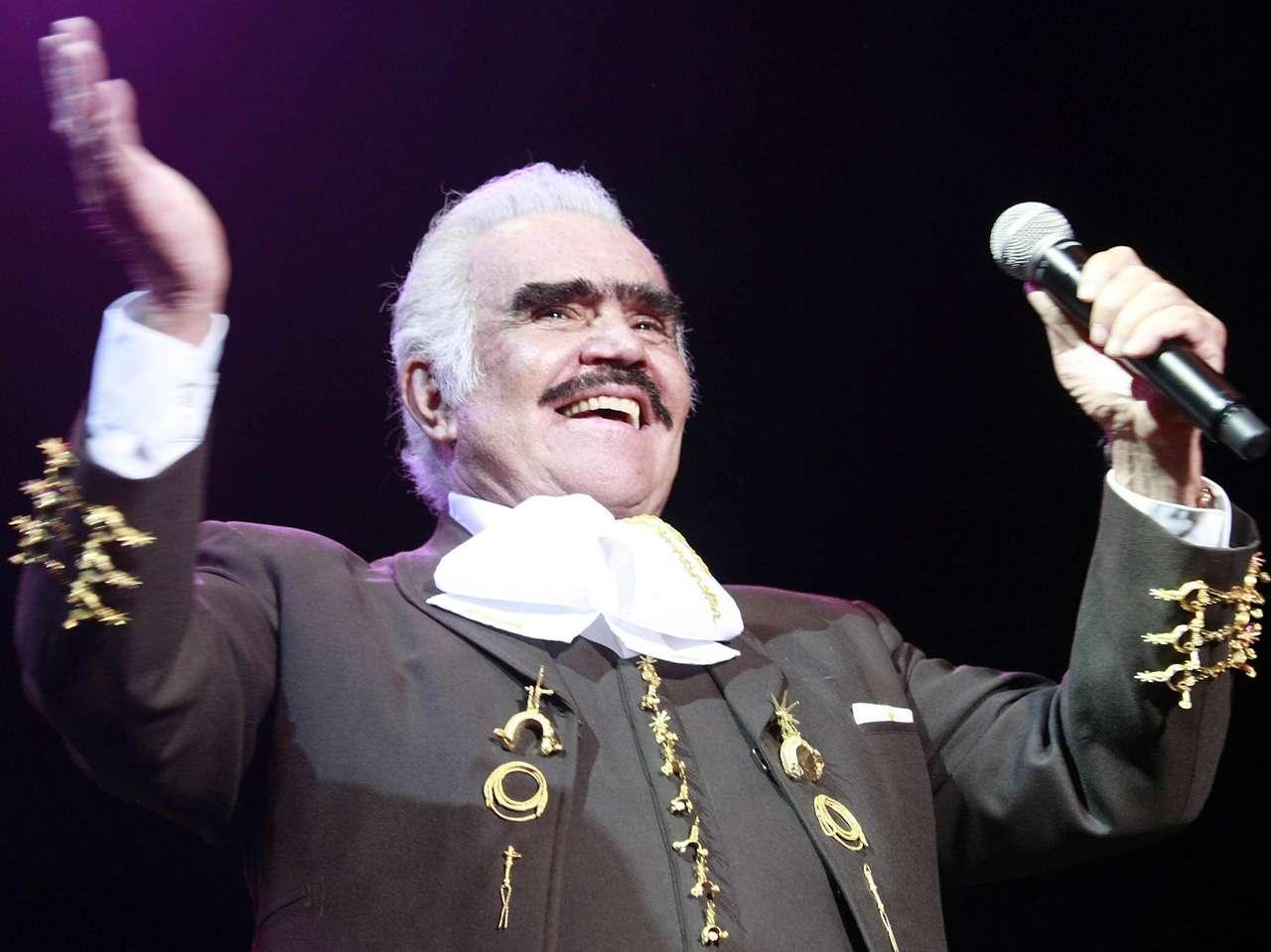 Vicente Fernández...