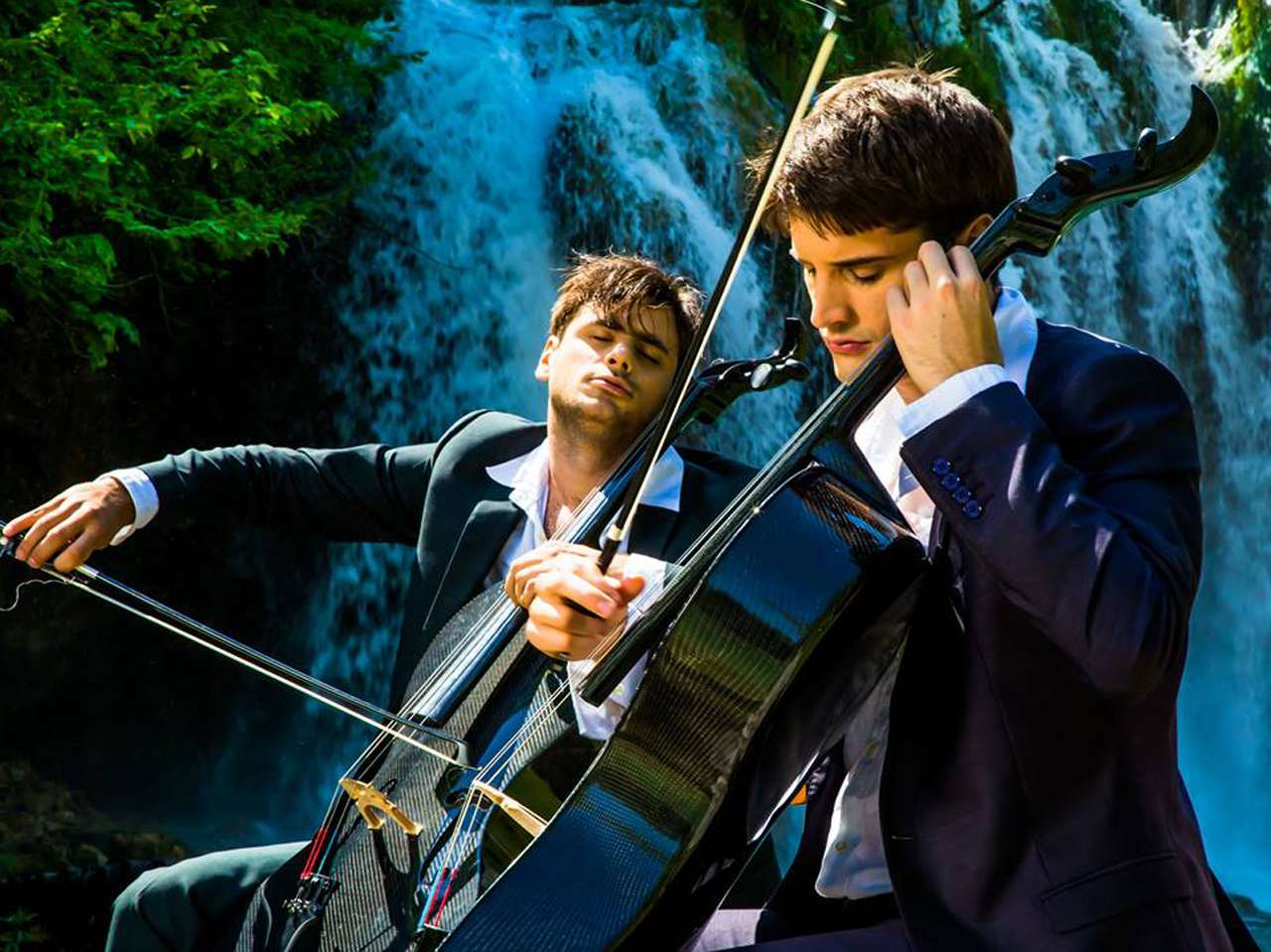 Facebook/2Cellos
