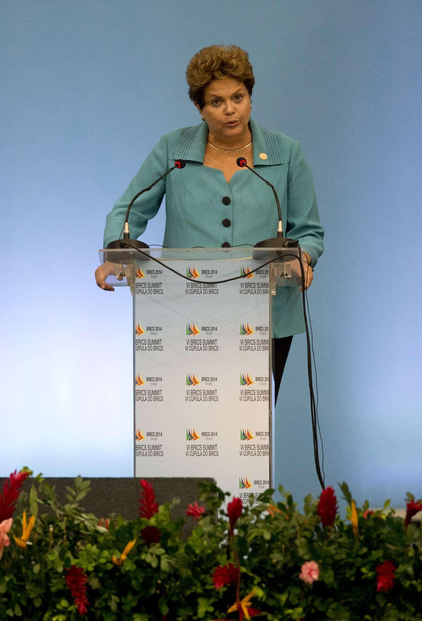"""""""Uma coisa dessas não sai se não houver uma busca de consenso"""", disse Dilma Foto: Silvia Izquierdo/AP"""