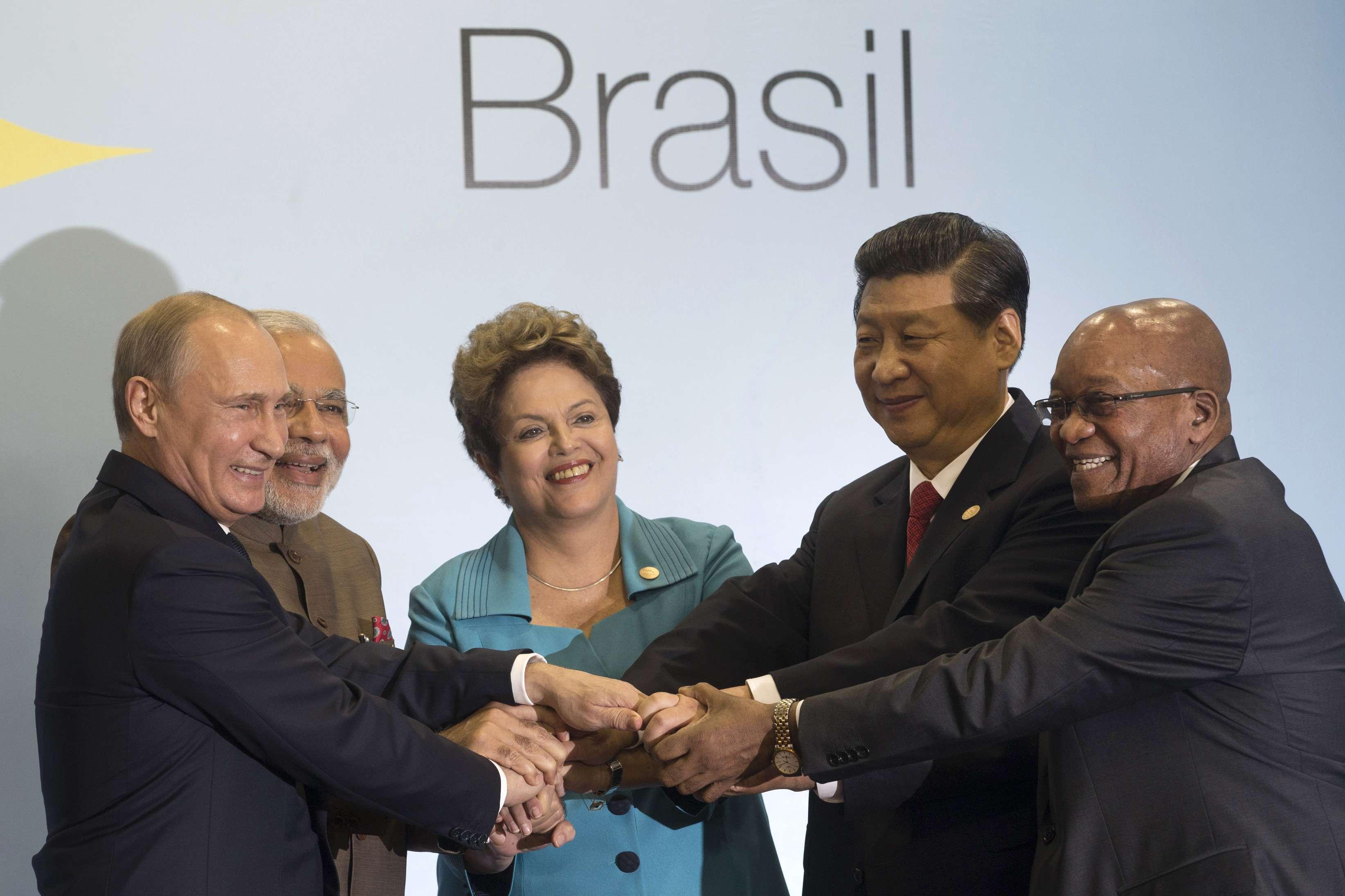 Brics ganha importância no cenário mundial, disse a presidente na sessão plenária da cúpula do bloco emergente Foto: AP