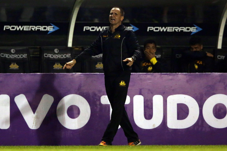 Técnico Wagner Lopes viu seu time subir na tabela do Campeonato Brasileiro Foto: Cristiano Andujar/Getty Images