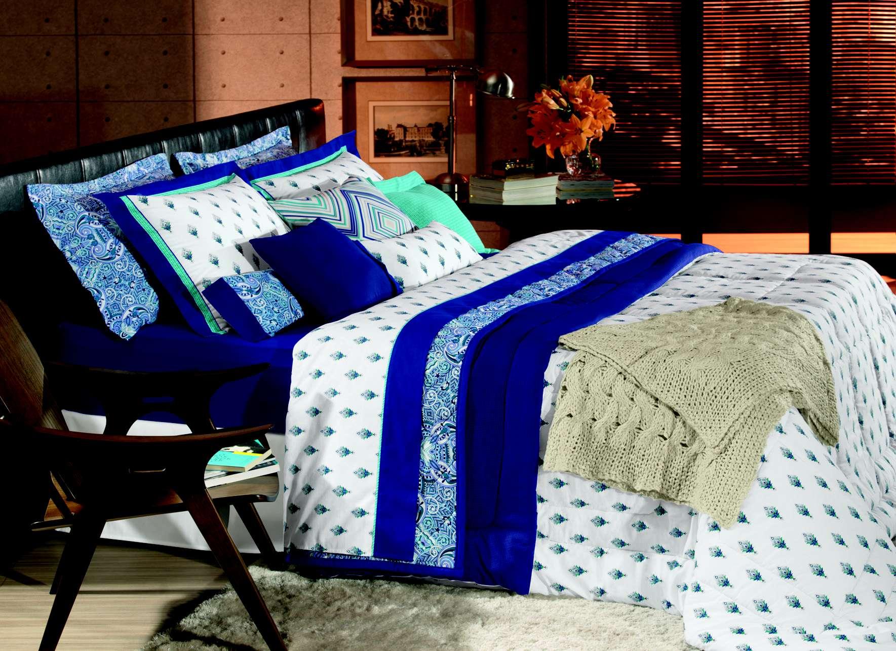 Saiba arrumar uma cama impecável e em camadas passo a passo