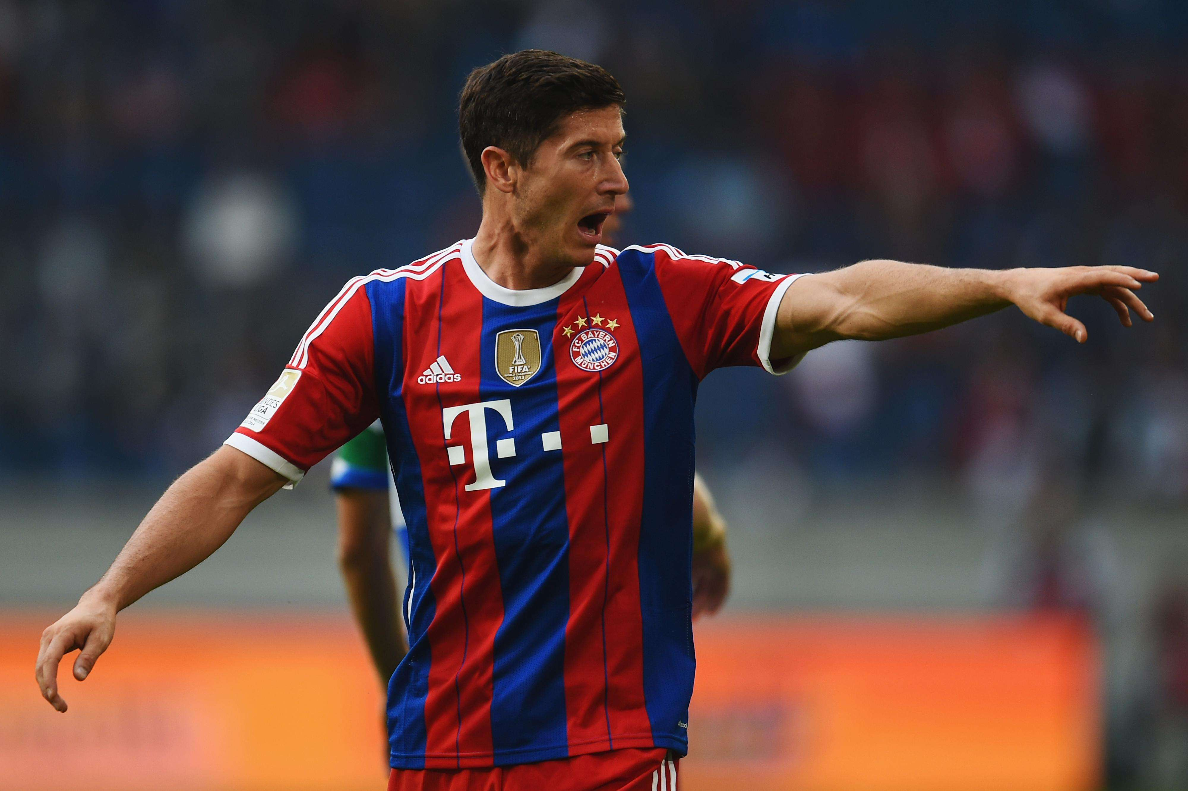 Lewandowski scores in Bayern debut