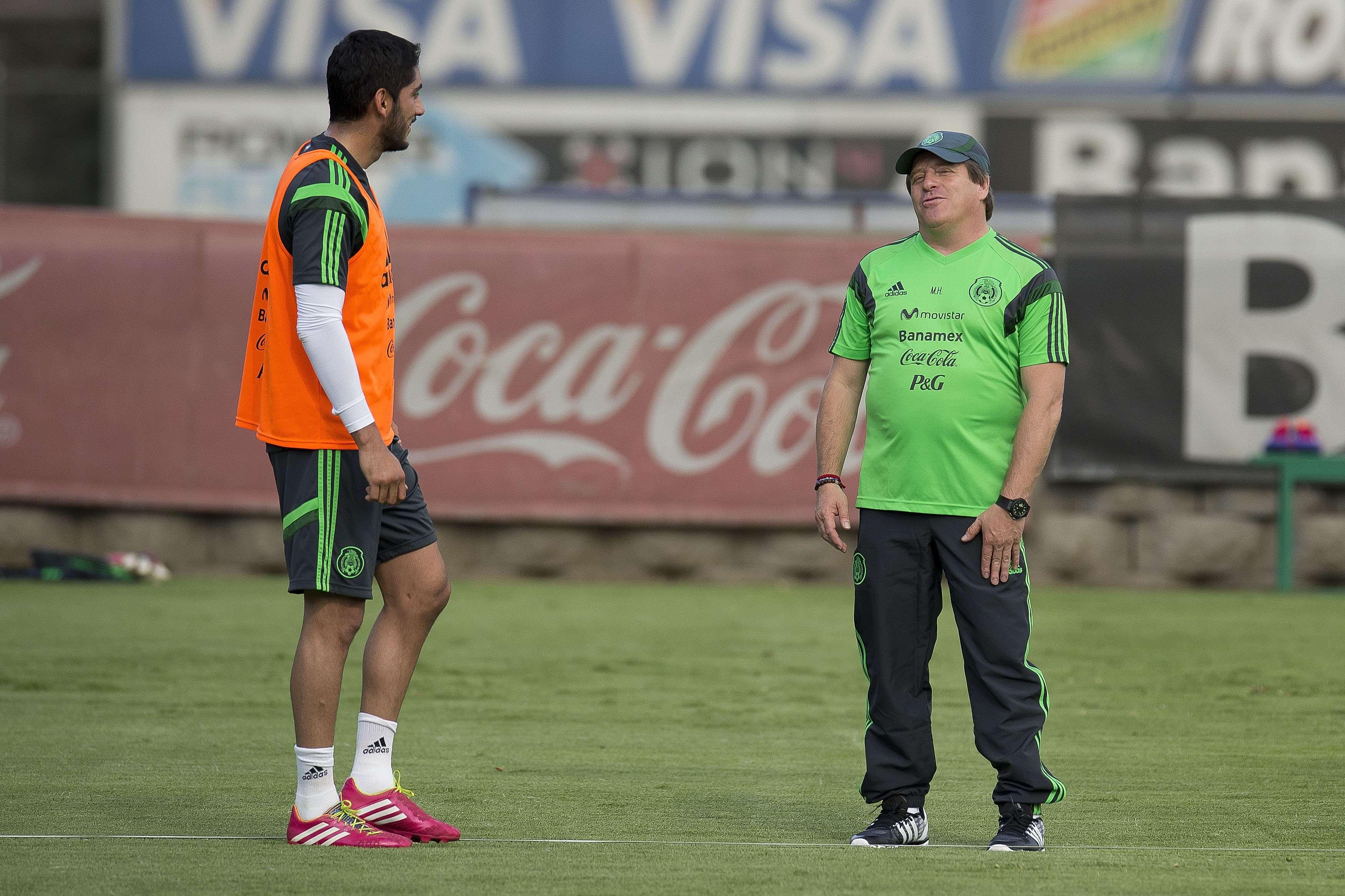 Miguel Herrera y Jesús Corona durante un entrenamiento de la selección mexicana Foto: Mexsport