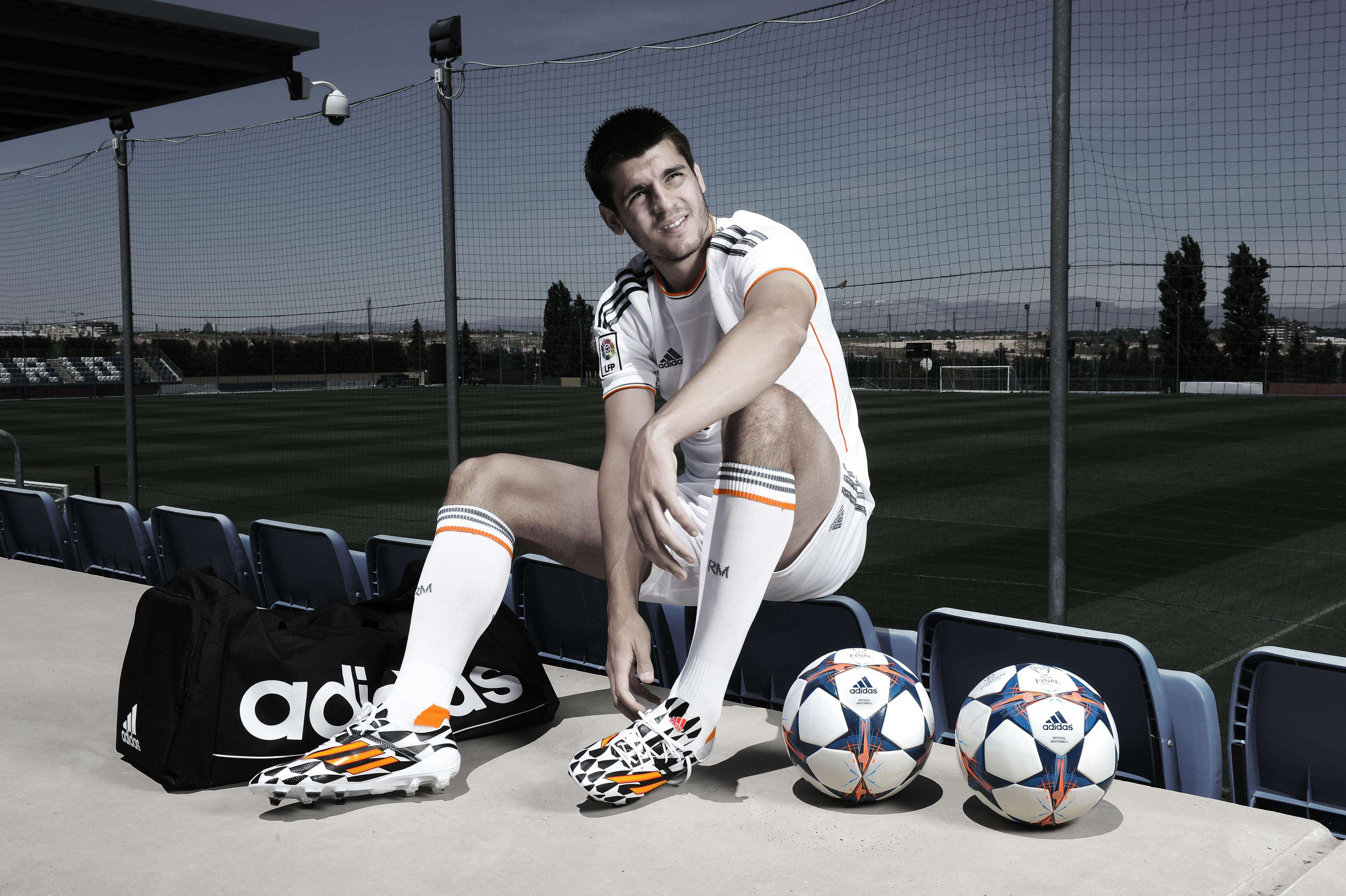 Recent Juventus acquisition Morata injures knee