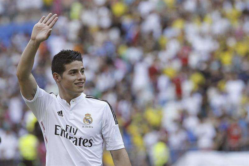 Real Madrid present James Rodriguez at the Bernabeu