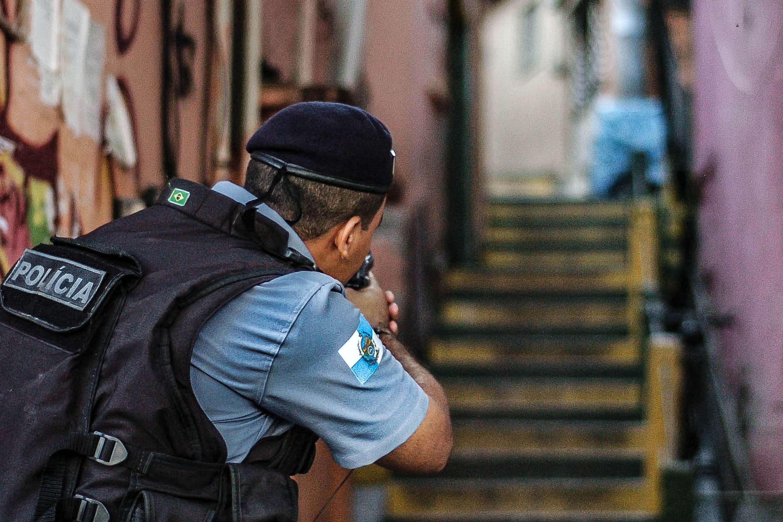 Operação da Polícia Militar no Complexo do Alemão, no Rio de Janeiro Foto: Daniel Amaral/Futura Press