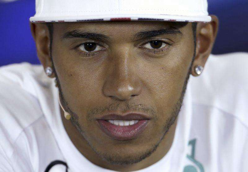 Hamilton fastest in hot Hungarian practice