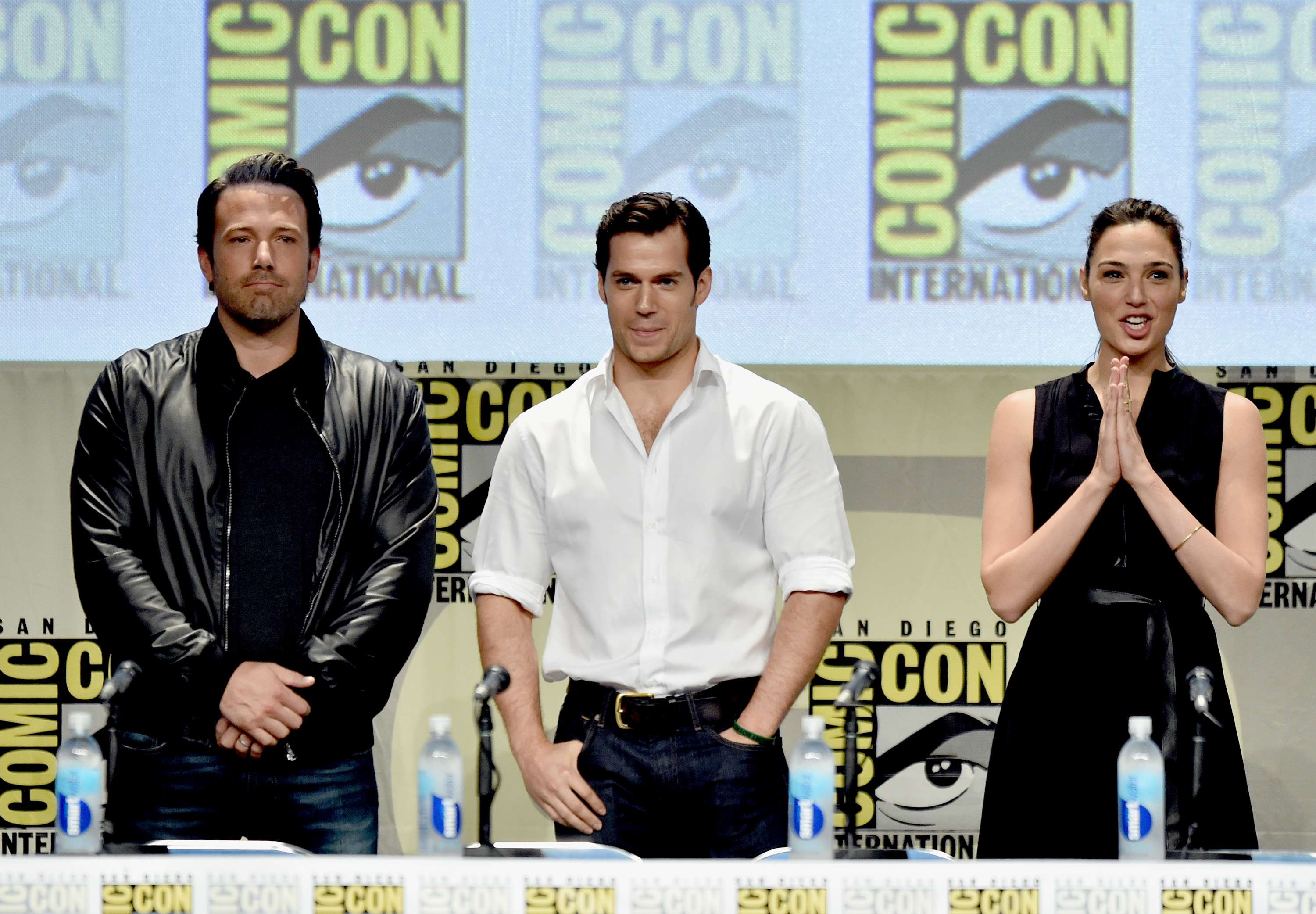 Affleck, Cavill y Gadot presentan 'Batman vs. Superman'