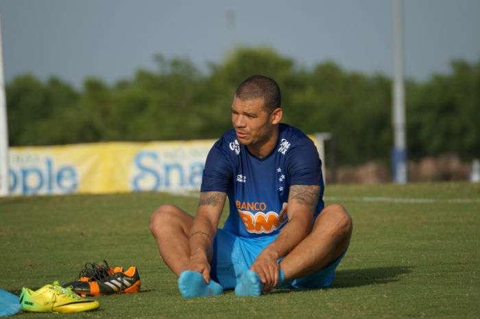Nilton volta, mas quer recuperar condição de titular Foto: Cruzeiro/Divulgação
