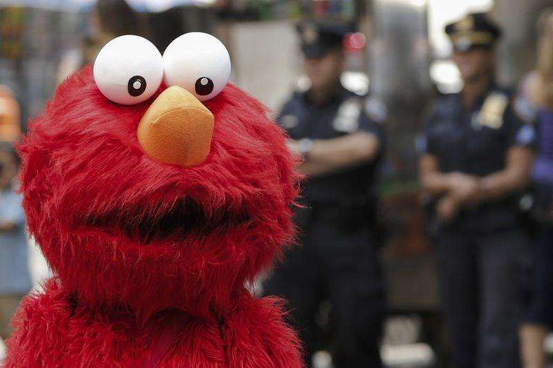 'Sesame Street' aims to teach lesson to Times Square Elmo