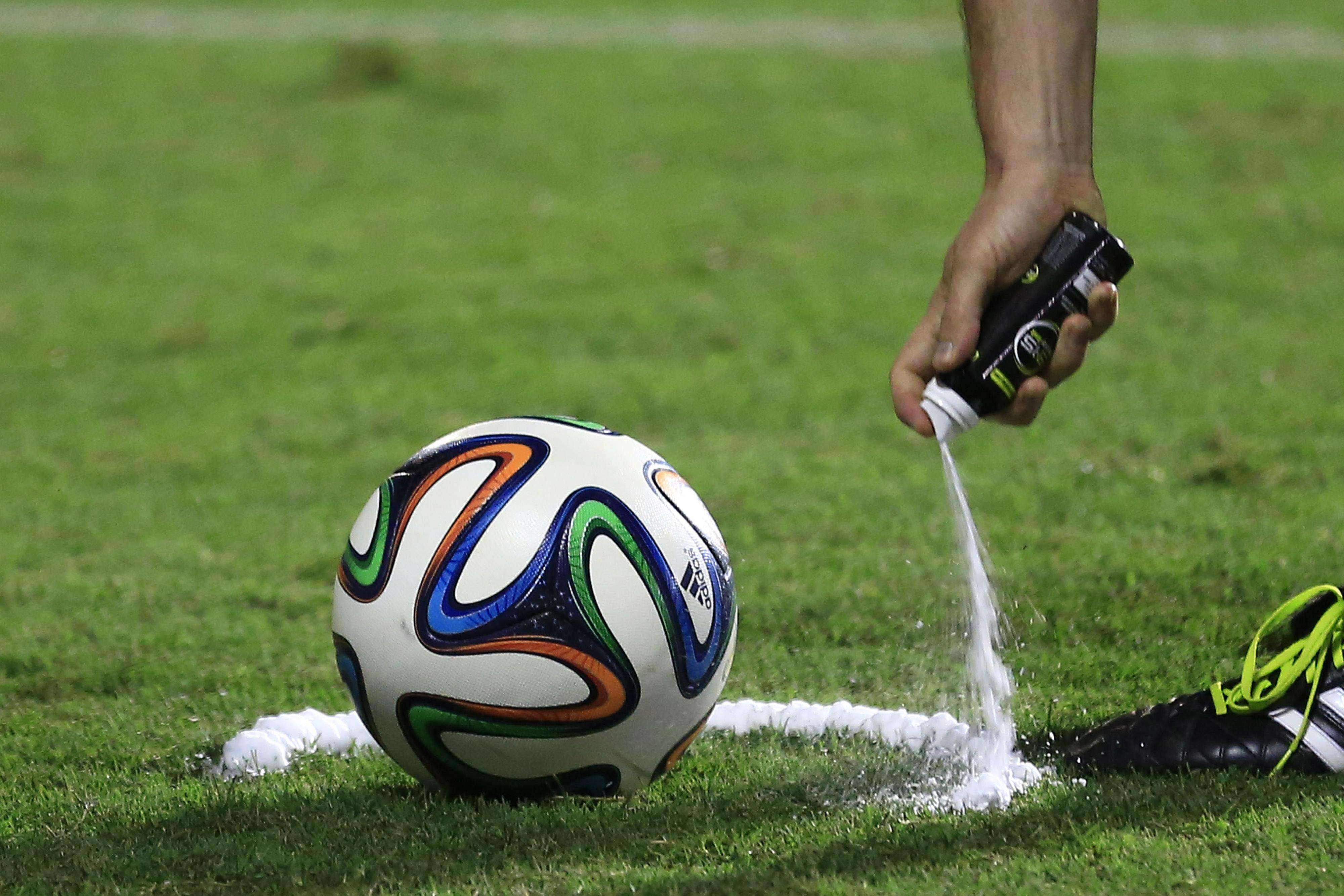 Premier League to use vanishing spray in matches