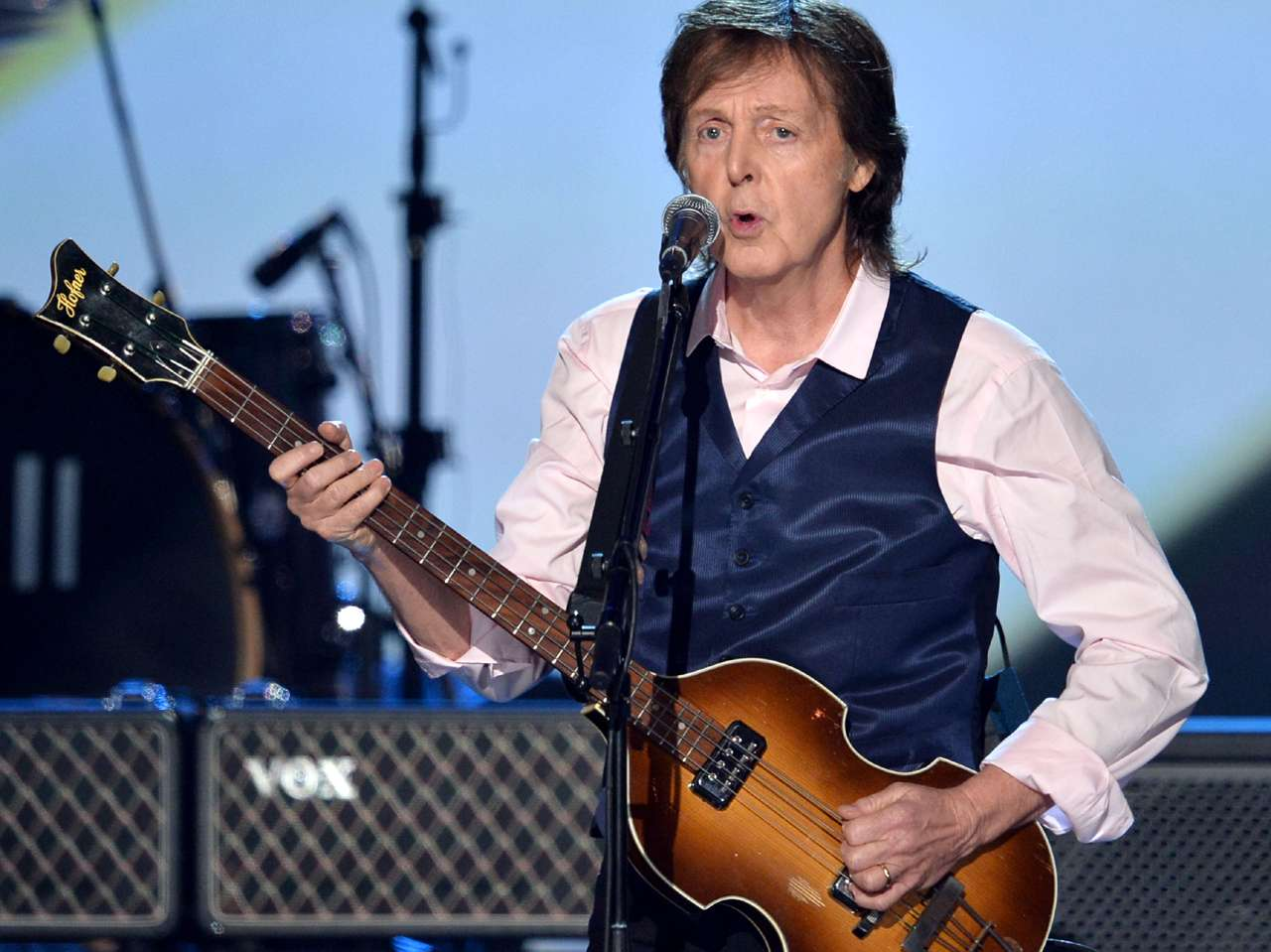 Paul McCartney lanza temas inéditos que grabó con Wings