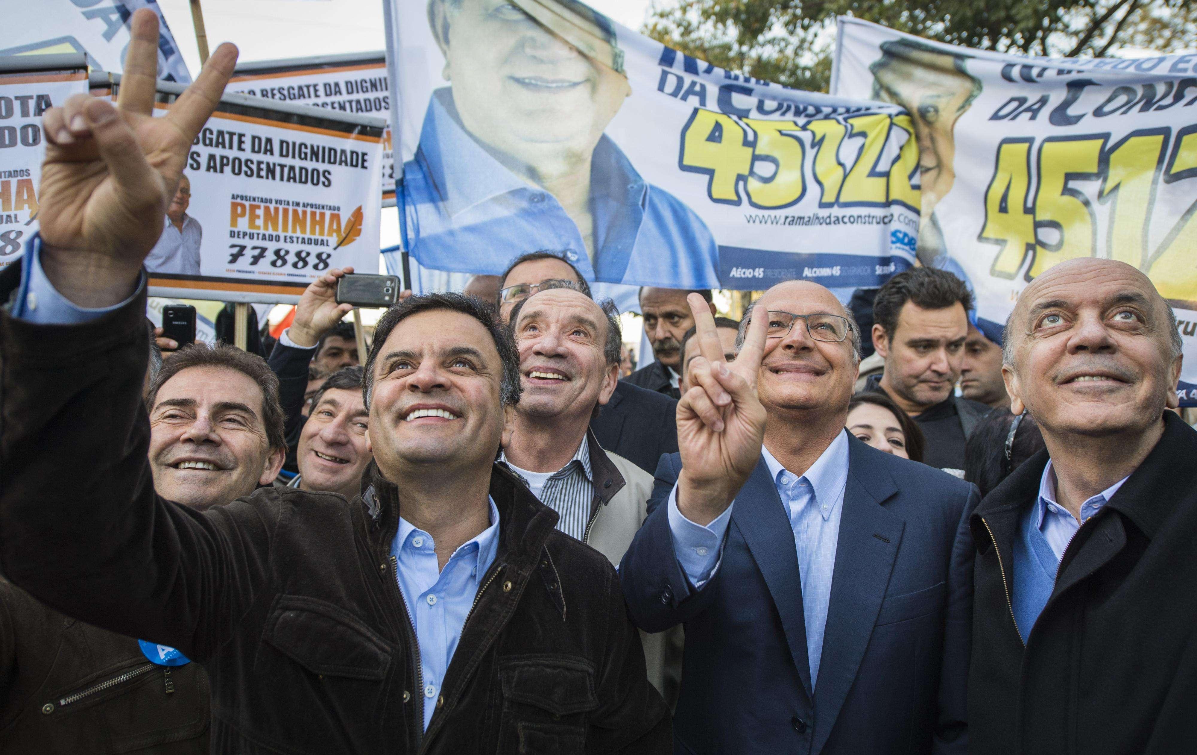O vice de Aécio Aloísio Nunes, também estava presente, além de candidatos a deputado federal e estadual Foto: Bruno Santos/Terra