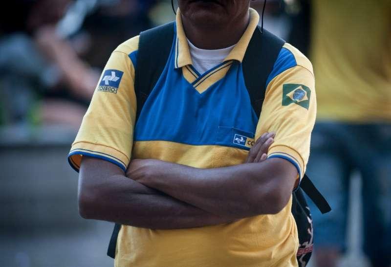 Os funcionários dos Correios do Rio de Janeiro fazem uma paralisação por medo de assaltos Foto: Agência Brasil