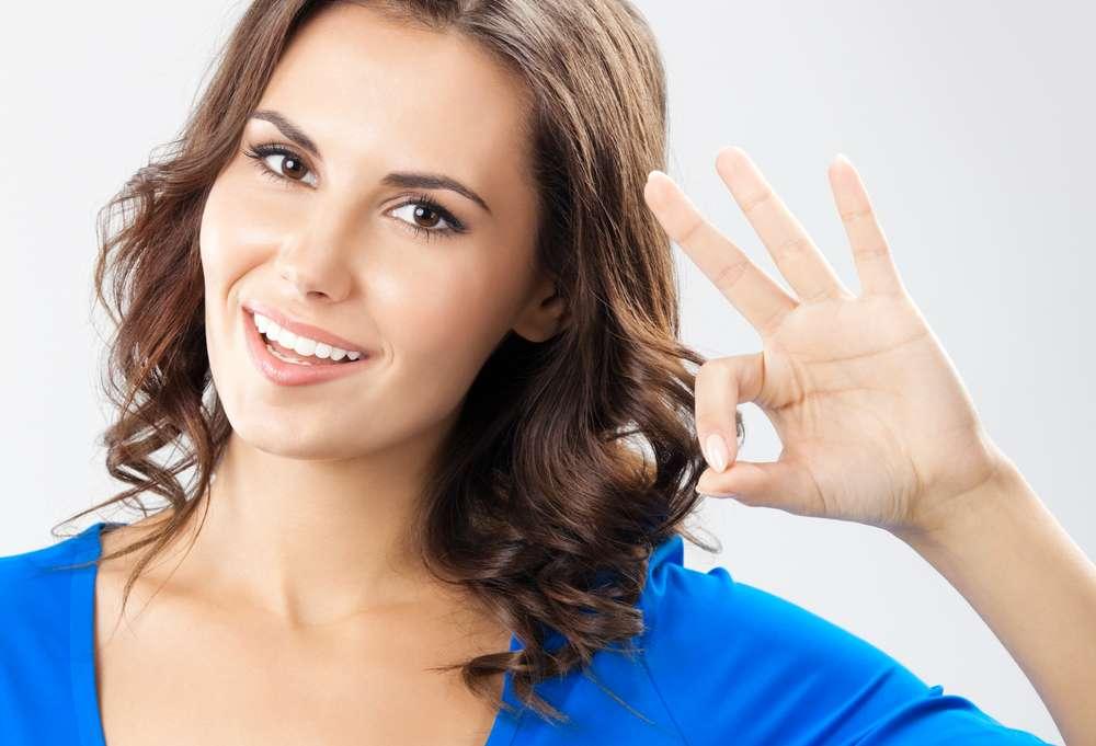 Para chegar aos 30 anos de bem com a vida, é preciso cuidar da pele com tratamentos que combatem os primeiros sinais do tempo e as implacáveis celulites e gordurinhas Foto: vgstudio / Shutterstock