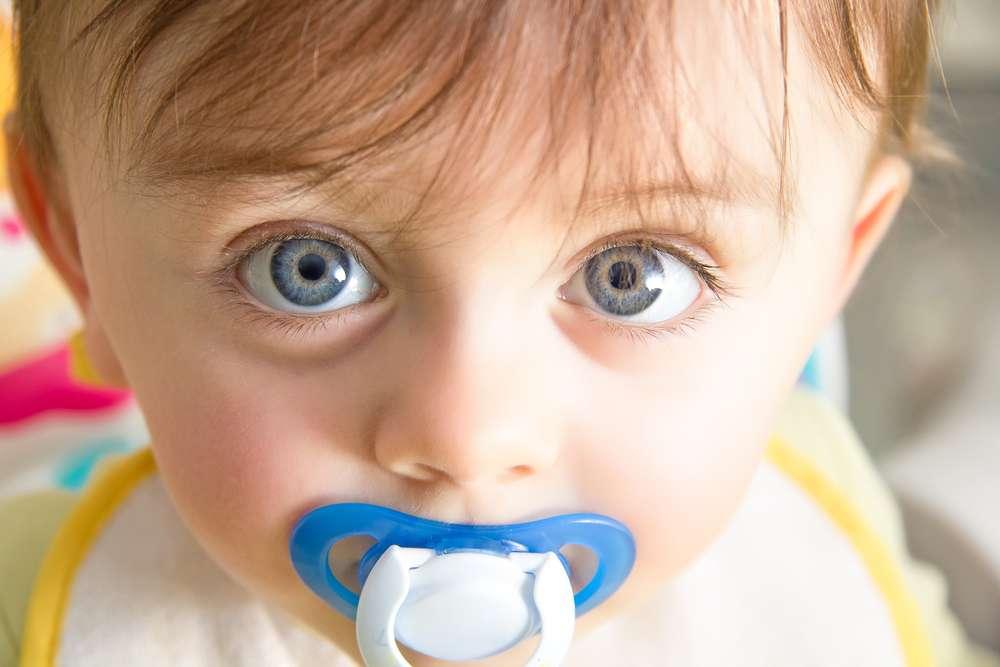 Existem alguns casos em que o uso da chupeta pode ser recomendado por médicos e dentistas Foto: Dynamicfoto