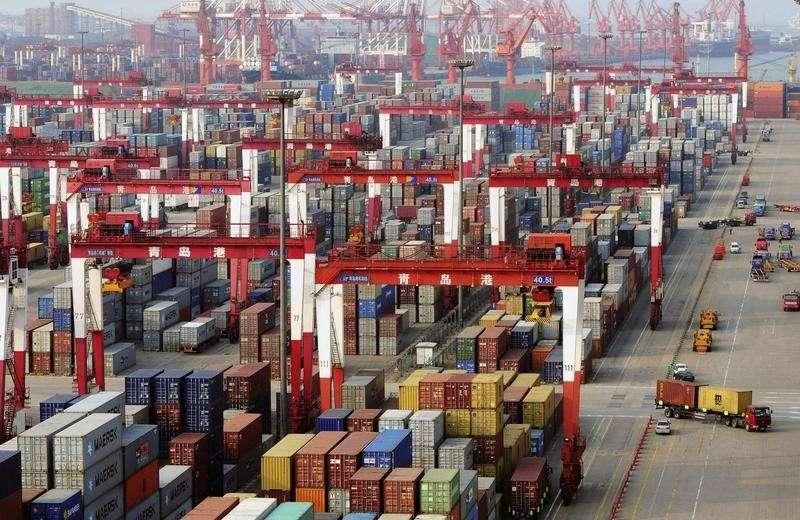 No acumulado do ano, o comércio exterior chinês entre janeiro e julho somou US$ 2,4 trilhões, um crescimento de 2% em relação ao mesmo período de 2013 Foto: China Stringer Network/Reuters