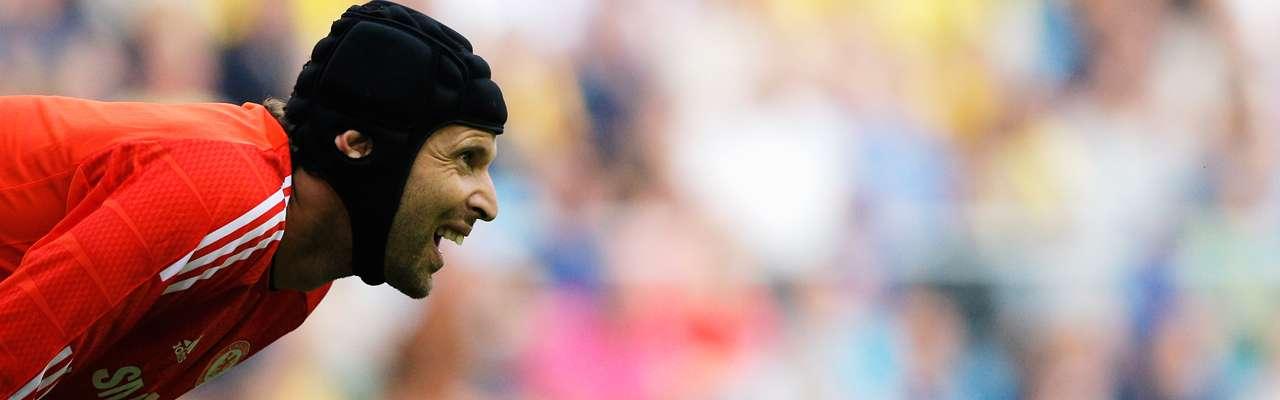 Prensa inglesa: el Madrid quiere que Cech supla a Casillas