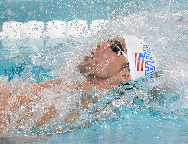 Phelps decepciona de novo e termina em 6° nos 100 m costas