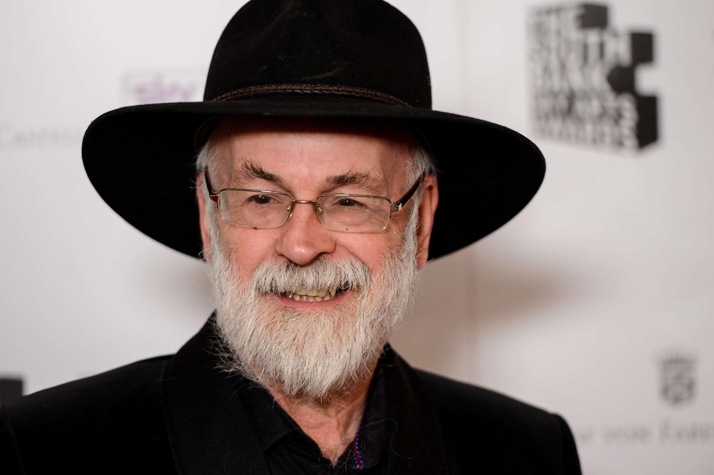 """""""Se pueden escribir bestsellers con demencia"""", dice el británico Terry Pratchett, escritor que confiesa su mal y lo califica de """"jodienda"""". Foto: Getty Images"""