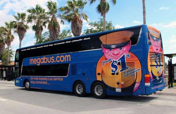 Uno de los autobuses de Megabus. Foto: @Megabus