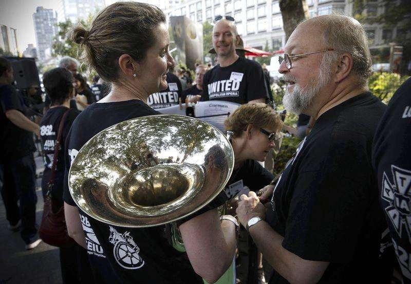Met Opera extends lockout deadline in musicians' labor ...