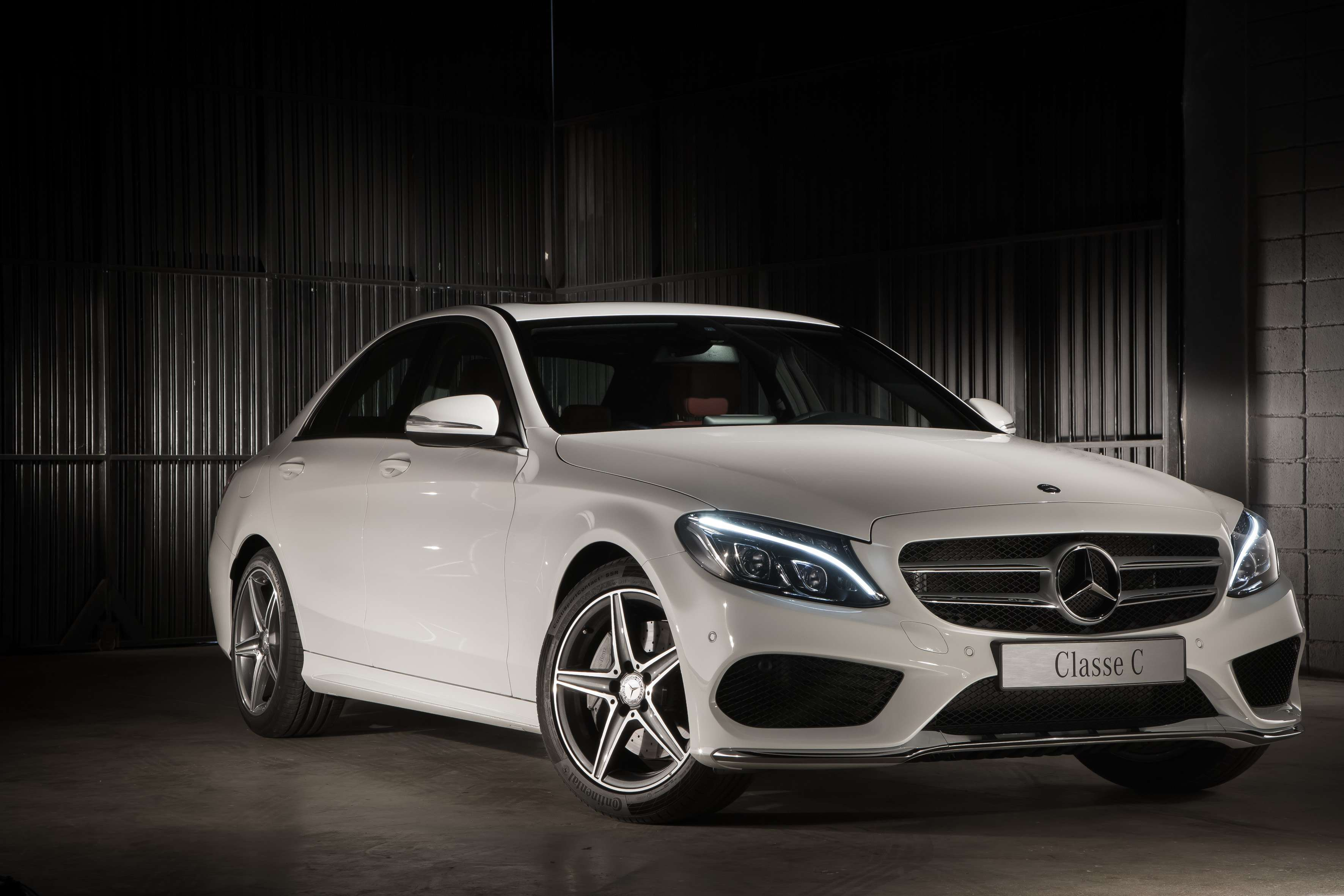 Novo Mercedes-Benz Classe C é lançado no Brasil