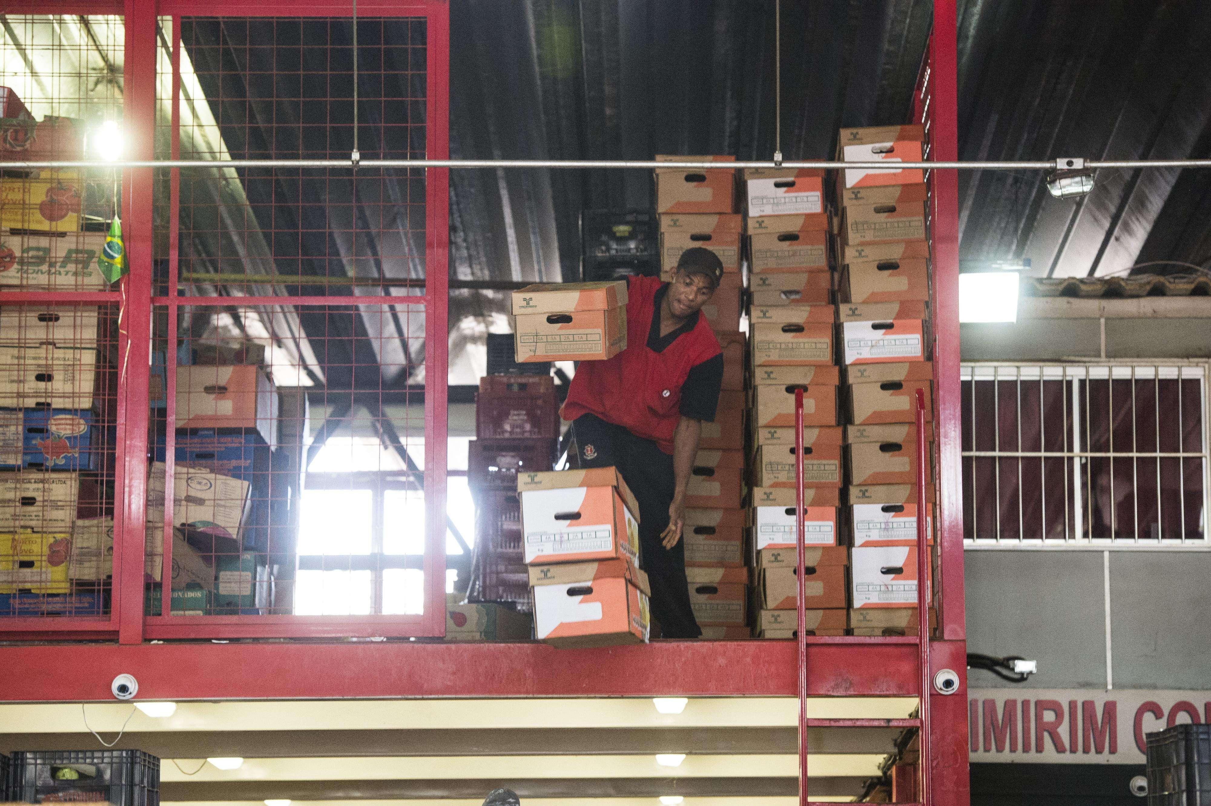 Os 700 funcionários não aceitam o aumento oferecido pelo Ceagesp de 6,38%, referente a reposição da inflação Foto: Bruno Santos/Terra