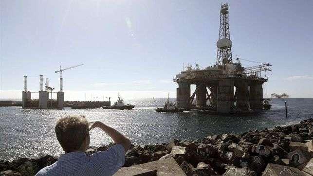 Una plataforma petrolífera en Canarias. Foto: EFE en español