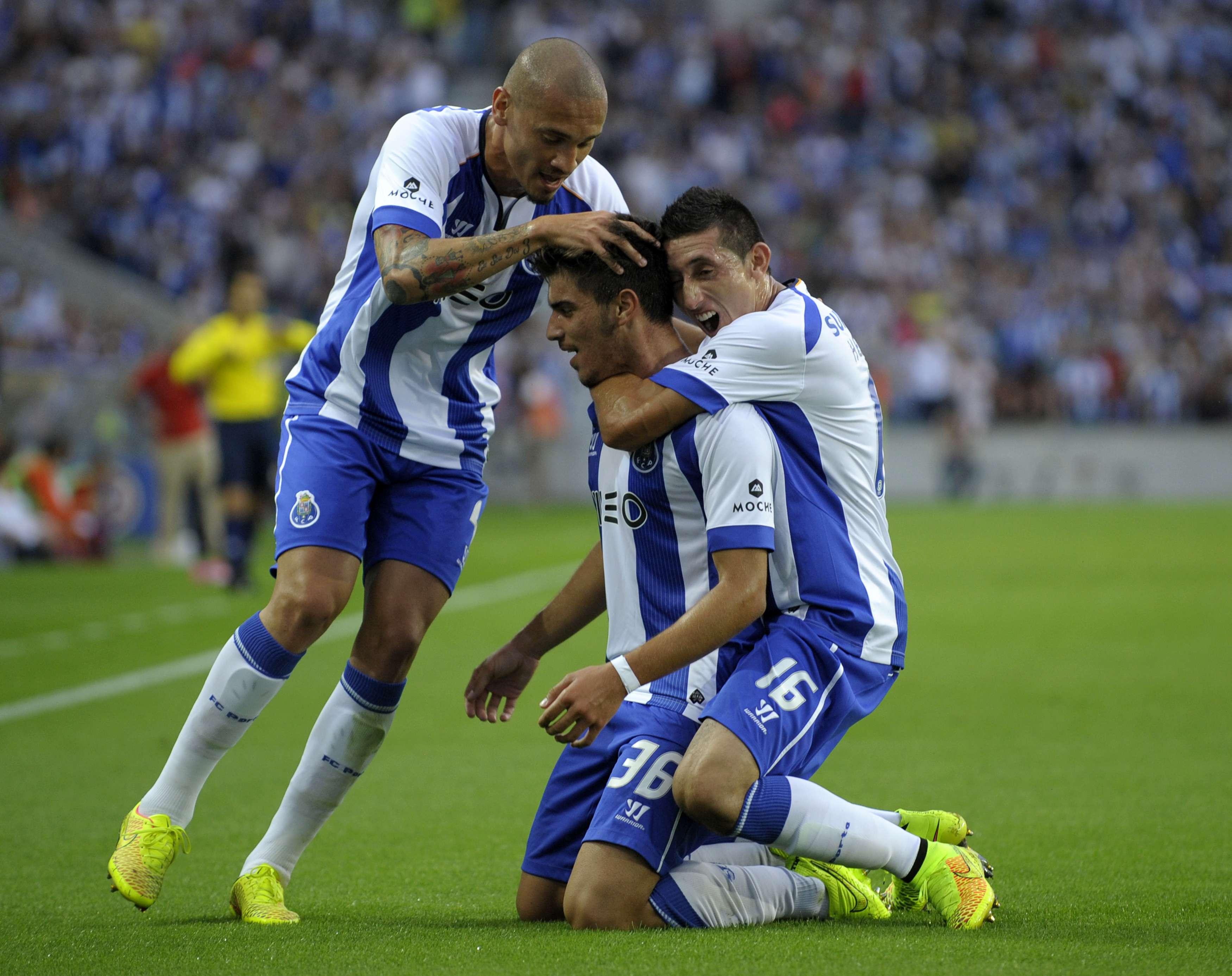 Héctor Herrera, titular en primer triunfo del Porto en Liga