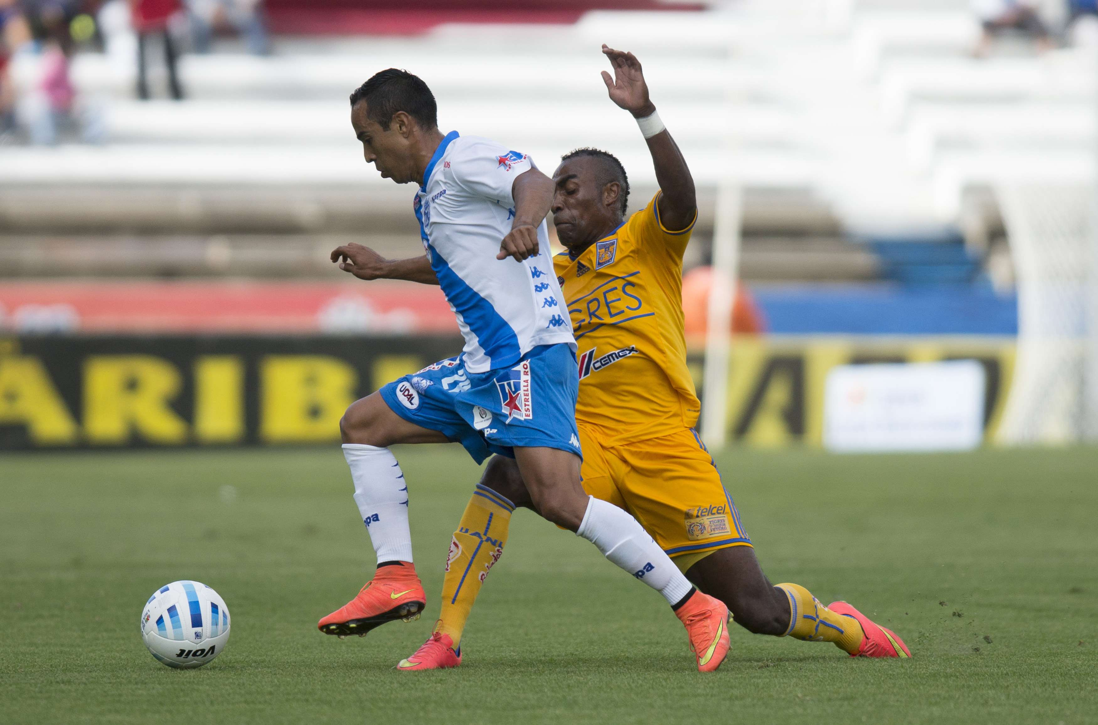 Puebla y Tigres empatan 1-1 en el estadio Cuauhtémoc. Foto: Mexsport