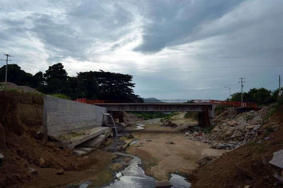 La Cámara Mexicana de la Industria de la Construcción (CMIC) advirtió que el crimen organizado controla las obras de reconstrucción en varios municipios de Guerrero. Foto: Reforma