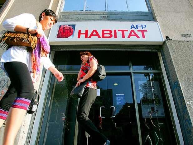 Habitat es una AFP que también opera en Chile. Foto: Emol.