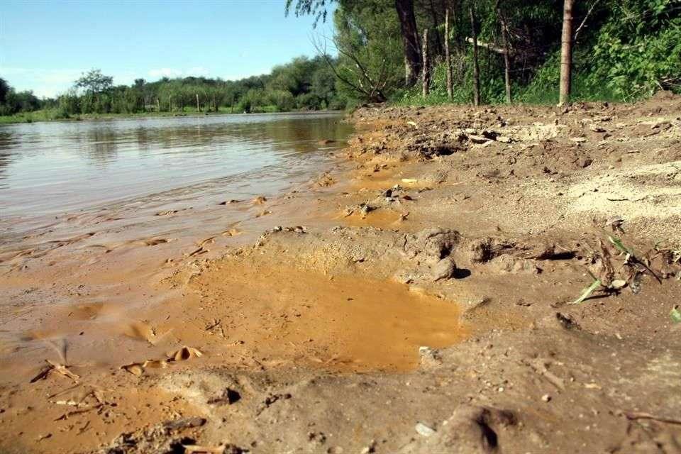 El derrame de químicos en la mina Buenavista del Cobre, en Cananea, el 6 de agosto contaminó primero las aguas del arroyo Las Tinajas, luego las del río Bacanuchi y finalmente las del río Sonora. Foto: Reforma