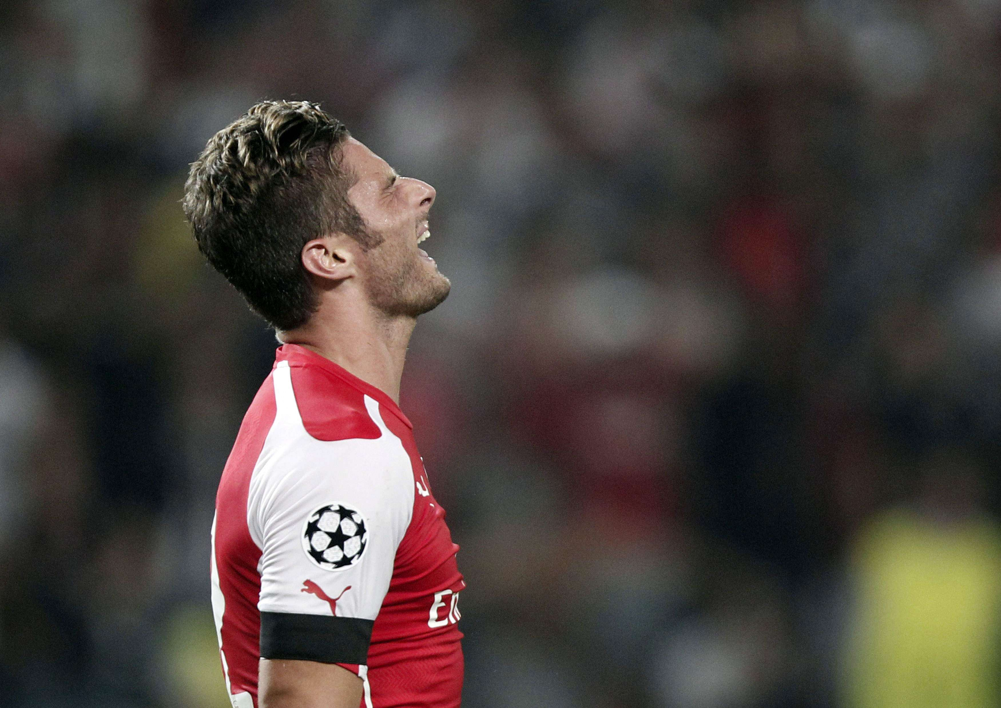 Besiktas e Arsenal empatam em playoff final da Champions