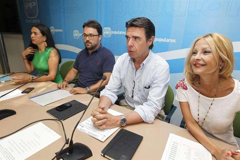 Soria pide sensatez al Gobierno canario en su pulso a Rajoy