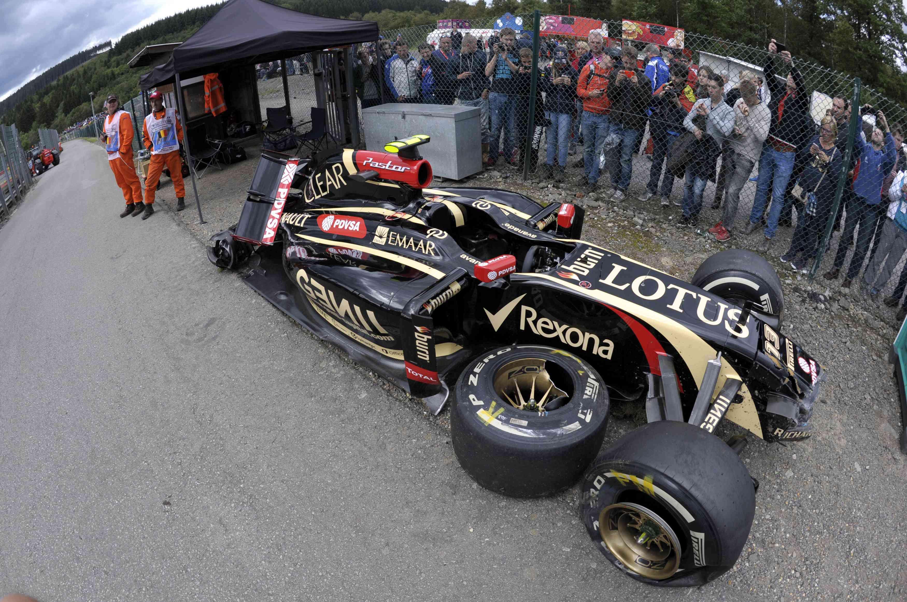F1: levado a hospital após acidente, Maldonado passa bem