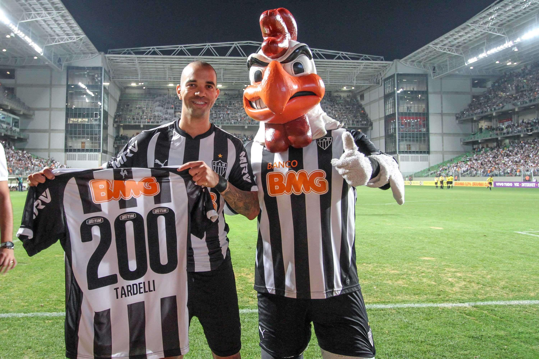 Diego Tardelli recebeu homenagem pelos 200 jogos com a camisa do Atlético-MG Foto: Bruno Cantini/Divulgação