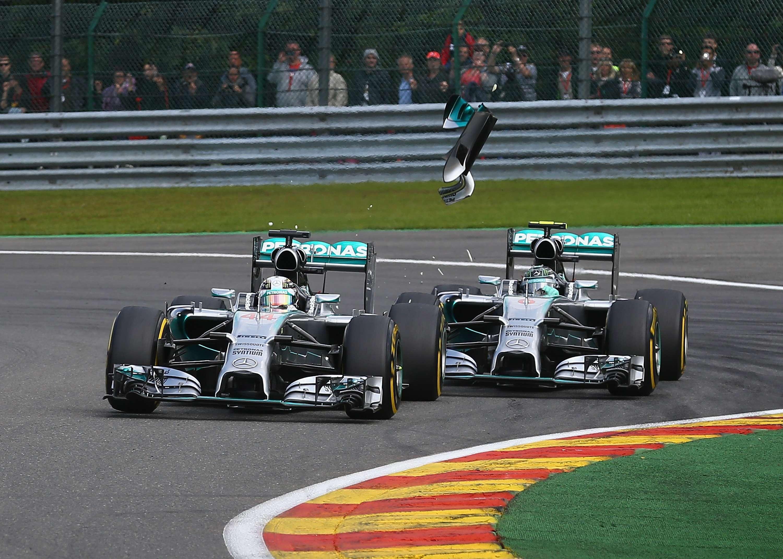 """Hamilton: """"Dejé espacio suficiente a Nico, no lo entiendo"""""""