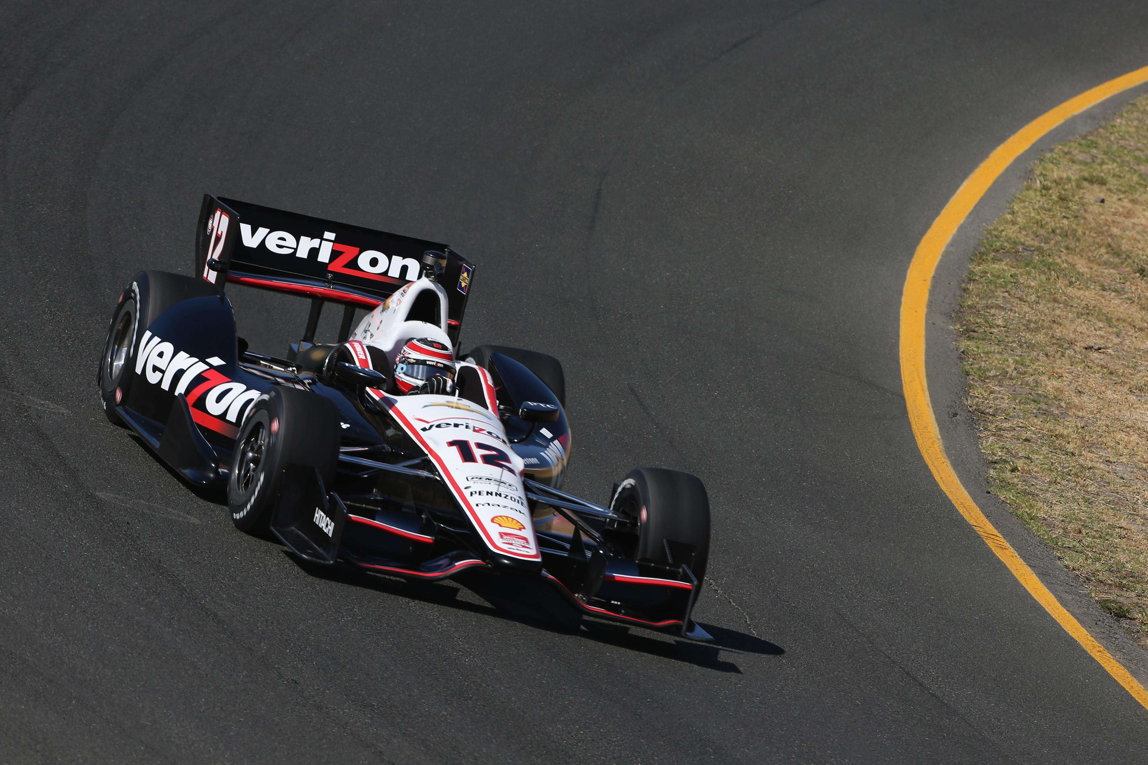 Power crava pole e se aproxima de título na Fórmula Indy