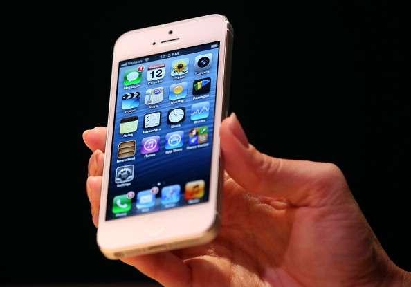 Apple reconoce problemas en baterías del iPhone 5
