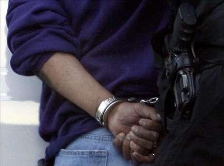 Un joven de 22 años de edad fue detenido por vecinos del centro de Cuajimalpa cuando violaba a una mujer a la que golpeó hasta dejarla inconsciente. Foto: EFE en español