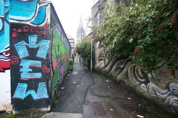 Viela onde aconteceu o crime, em Dublin