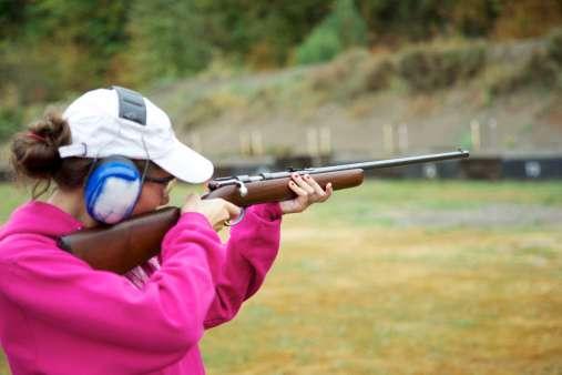 Niña de Arizona dispara y mata a su instructor de tiro