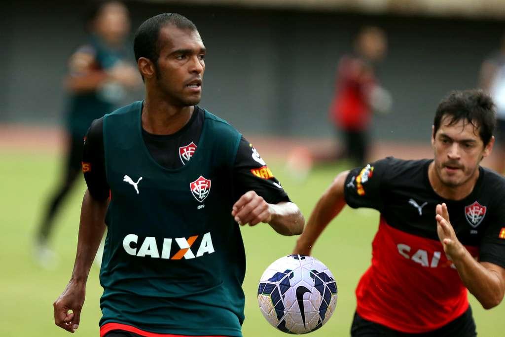 Richarlyson voltou a ganhar titularidade com Ney Franco Foto: Felipe Oliveira/EC Vitória/Divulgação