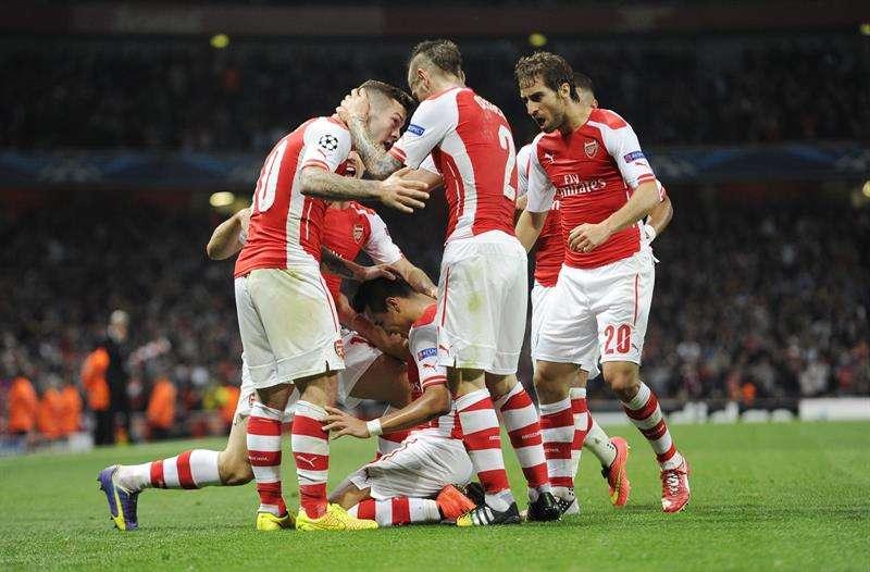 Imágenes del duelo del Arsenal con Alexis Sánchez goleador